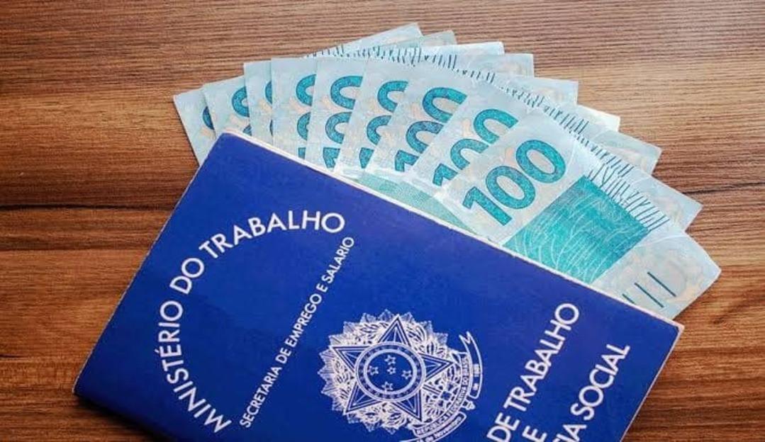 30,2 milhões de brasileiros vivem com um salário mínimo