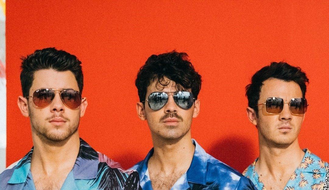 Jonas Brothers fará show interativo com fãs em dezembro