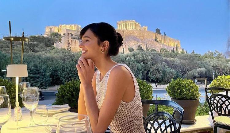 Bruna Marquezine curte viagem na Grécia