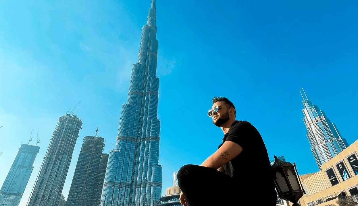 Lineker Pires conta como está sendo a experiência de morar nos Emirados Árabes