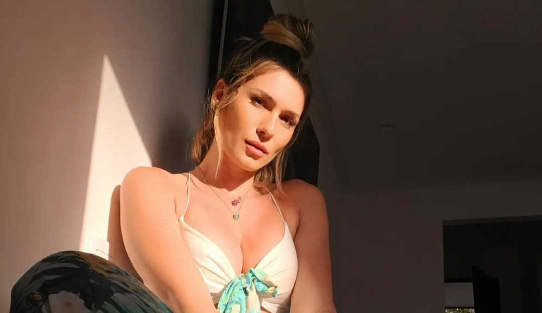 Lívia Andrade explica porque levou seguranças ao exame de DNA do namorado