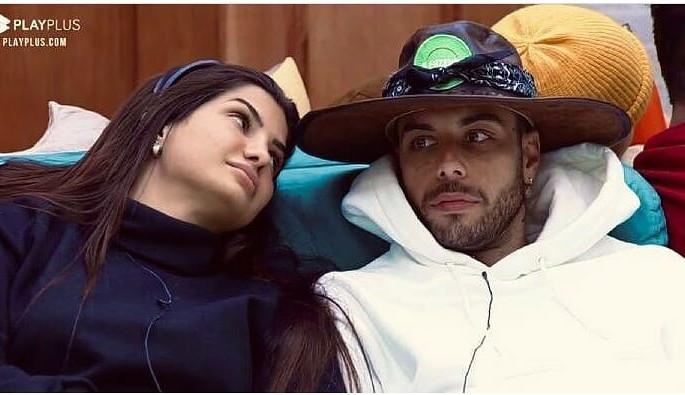 """A Fazenda 13: Gui Araújo avisa Marina sobre sua amizade com Erika: """"muito estúpida"""""""