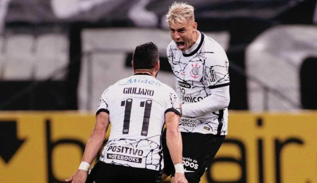Duas vezes 'Lei do Ex': Roger Guedes marca dois gols no Palmeiras e garante vitória para Corinthians