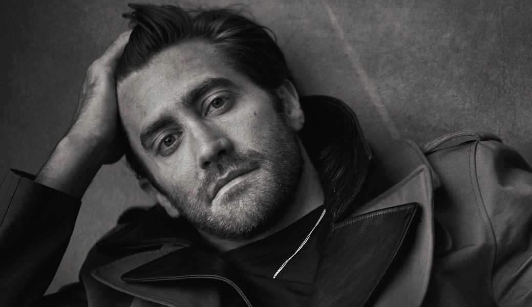 Jake Gyllenhaal explica mal entendido sobre não tomar banho: 'Claro que tomo'