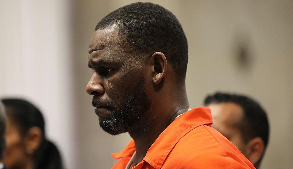Rapper R. Kelly é acusado de tráfico de mulheres