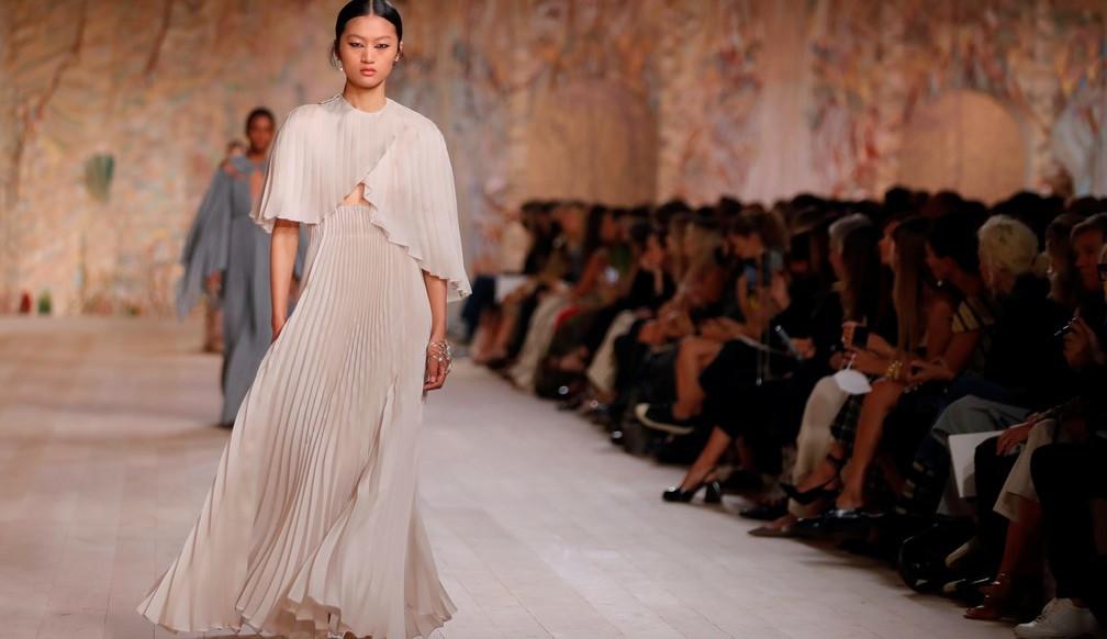 Christian Dior traz cores fortes na Semana de Moda de Paris