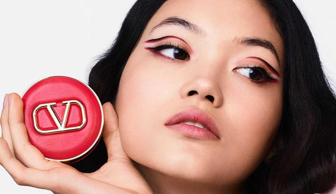 Conheça a primeira linha de maquiagem da Valentino