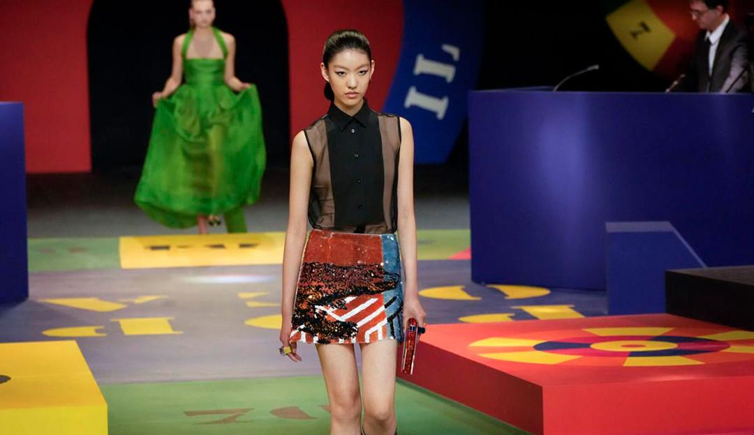 Minissaia é tendência na semana de moda de Paris