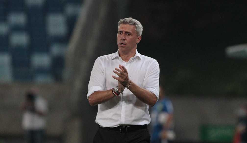 São Paulo empata novamente e os torcedores perdem a paciência com o Crespo