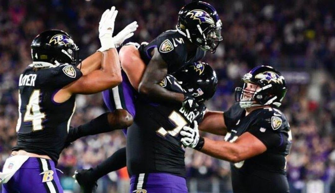 Monday Night Football: Lamar Jackson bate recorde e leva Ravens a vitória sobre Colts
