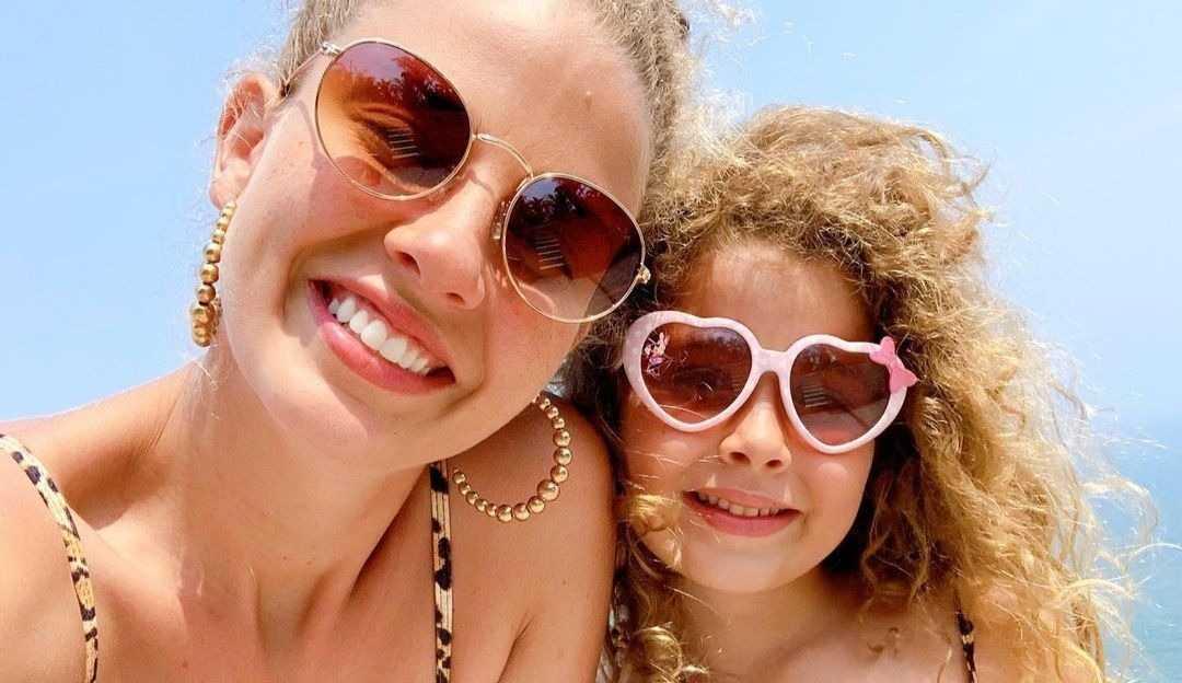 Filha de Debby Lagranha faz sua estreia como modelo