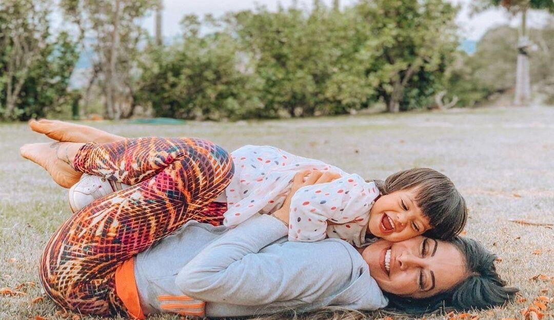 Mayra Cardi presenteia a filha com mini cidade de R$300 mil