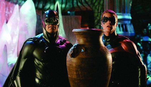 George Clooney sobre não atuar mais em filmes de super-heróis desde Batman: 'F... com tudo'