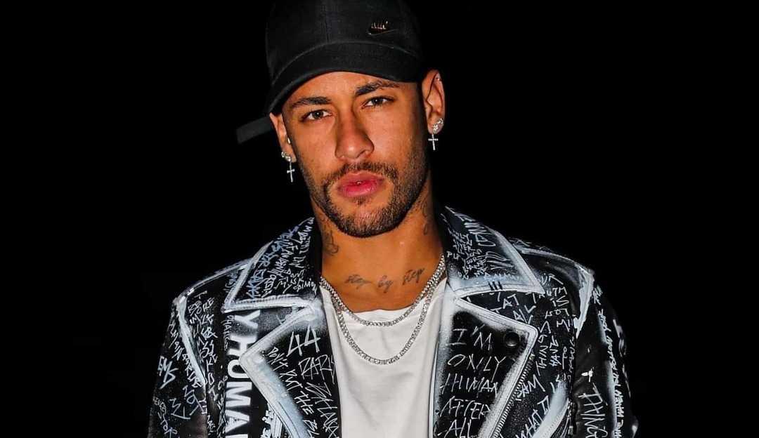 Neymar brinca de 'pego, penso ou passo' no canal de Matheus Mazzafera