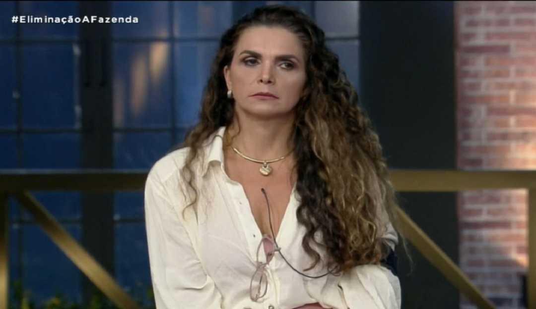 A Fazenda 12: Com trajetória polêmica no reality, Luiza Ambiel é eliminada gerando comemoração e revolta