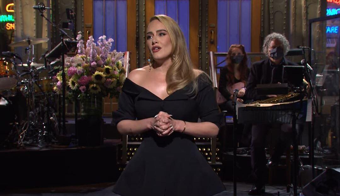 Adele volta aos holofotes após apresentar programa