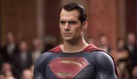 Rumores apontam que Henry Cavill não vai aparecer como Superman no filme 'The Flash'